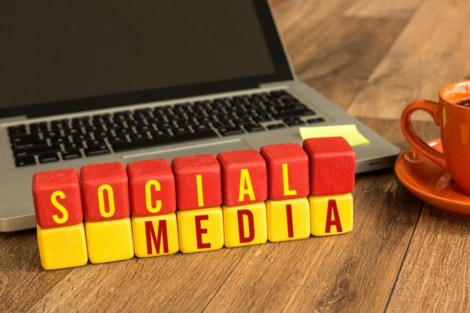 Profil apteki na Facebooku – kiedy to jest reklama?