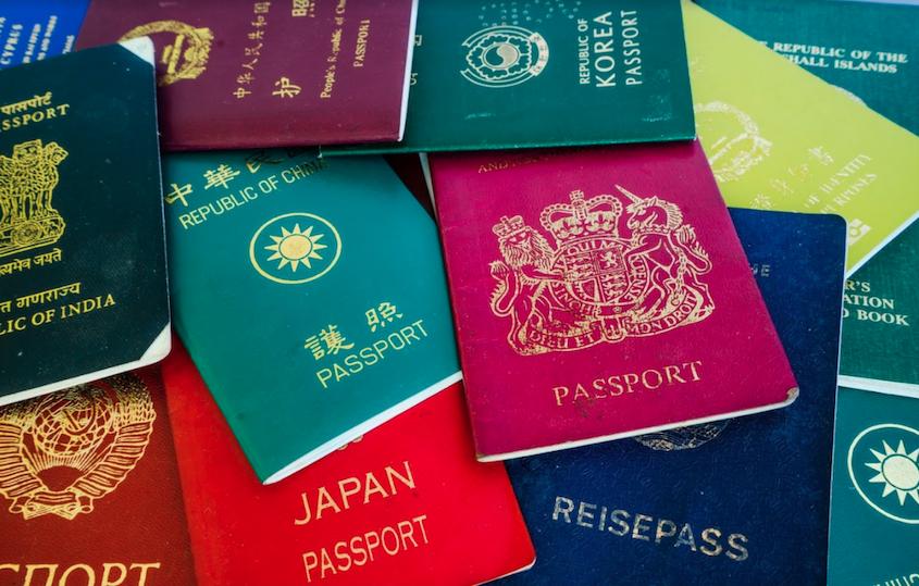 Paszporty z różnych krajów